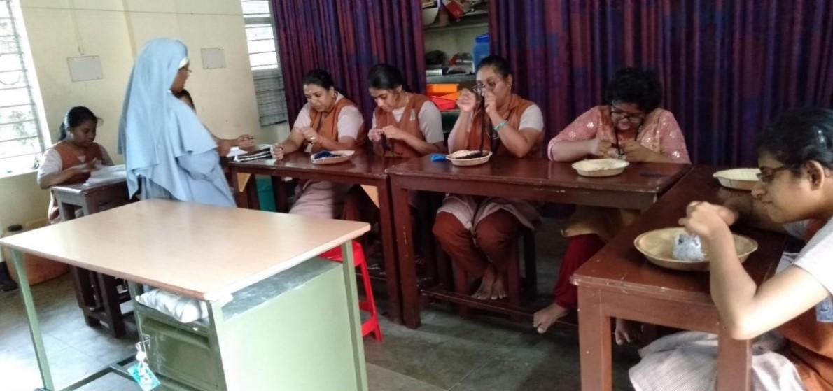 Ragazzi della scuola Snehadeepty